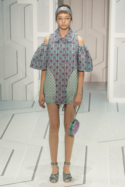 Anya Hindmarch Spring 2018 Ready-to-Wear - Look #17