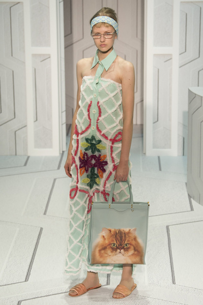 Anya Hindmarch Spring 2018 Ready-to-Wear - Look #18