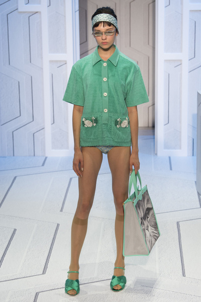 Anya Hindmarch Spring 2018 Ready-to-Wear - Look #21