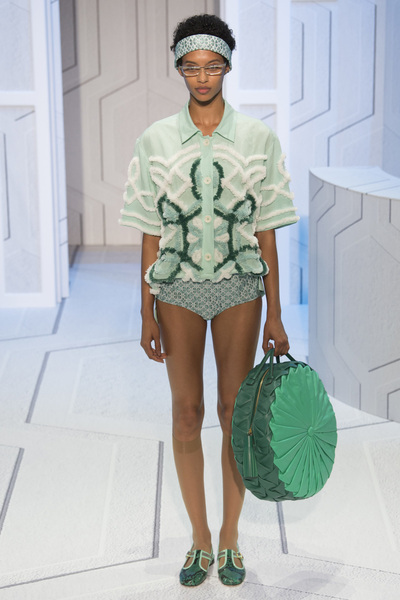Anya Hindmarch Spring 2018 Ready-to-Wear - Look #23
