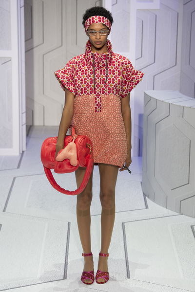 Anya Hindmarch Spring 2018 Ready-to-Wear - Look #38