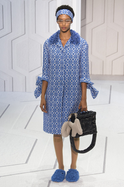 Anya Hindmarch Spring 2018 Ready-to-Wear - Look #7