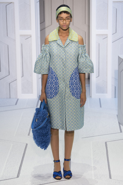 Anya Hindmarch Spring 2018 Ready-to-Wear - Look #9