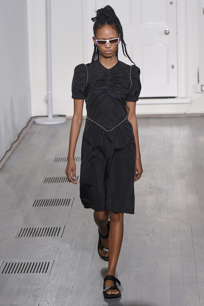 Ashley Williams Spring 2018 Ready-to-Wear - Look #21