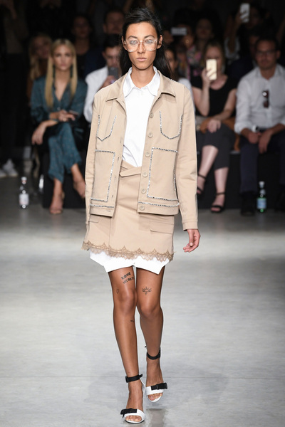 Au Jour Le Jour Spring 2018 Ready-to-Wear - Look #1