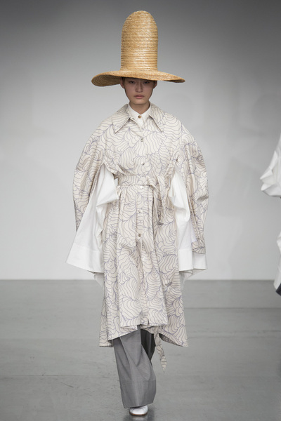 A.W.A.K.E Spring 2018 Ready-to-Wear - Look #14