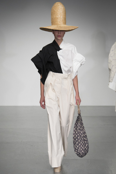 A.W.A.K.E Spring 2018 Ready-to-Wear - Look #19