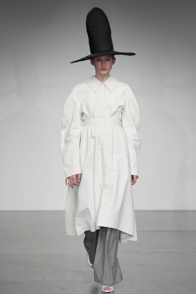 A.W.A.K.E Spring 2018 Ready-to-Wear - Look #23