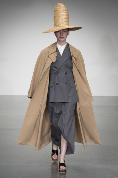 A.W.A.K.E Spring 2018 Ready-to-Wear - Look #40