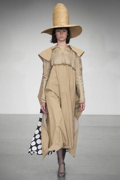 A.W.A.K.E Spring 2018 Ready-to-Wear - Look #48