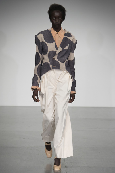 A.W.A.K.E Spring 2018 Ready-to-Wear - Look #57