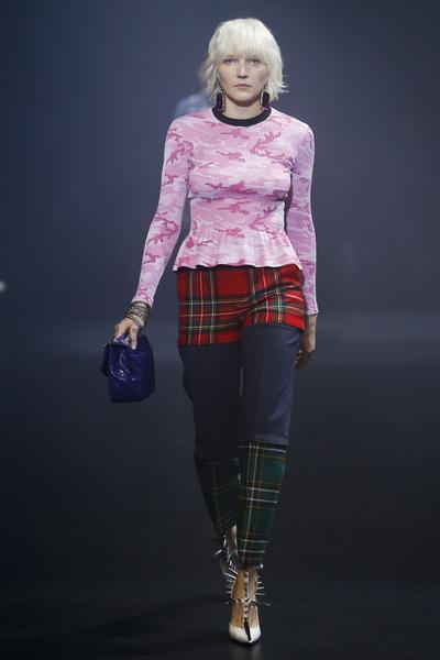 Balenciaga Spring 2018 Ready-to-Wear - Look #13