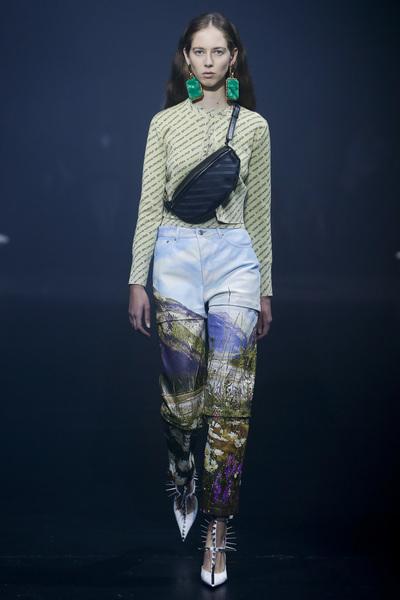Balenciaga Spring 2018 Ready-to-Wear - Look #17