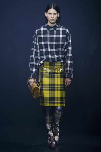Balenciaga Spring 2018 Ready-to-Wear - Look #18