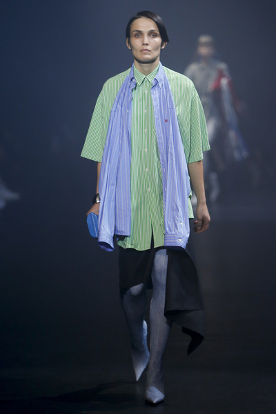 Balenciaga Spring 2018 Ready-to-Wear - Look #35