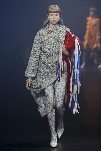 Balenciaga Spring 2018 Ready-to-Wear - Look #36