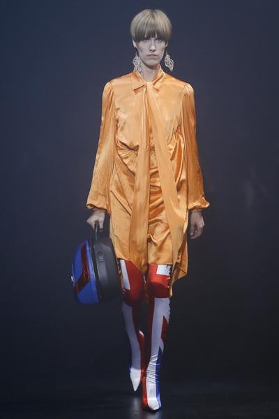 Balenciaga Spring 2018 Ready-to-Wear - Look #37