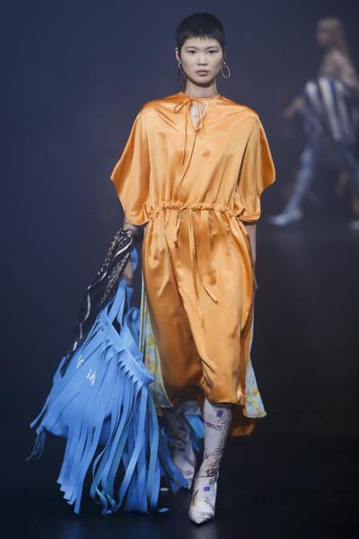Balenciaga Spring 2018 Ready-to-Wear - Look #41