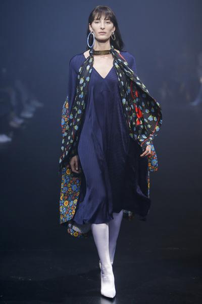 Balenciaga Spring 2018 Ready-to-Wear - Look #48