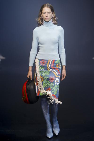 Balenciaga Spring 2018 Ready-to-Wear - Look #49