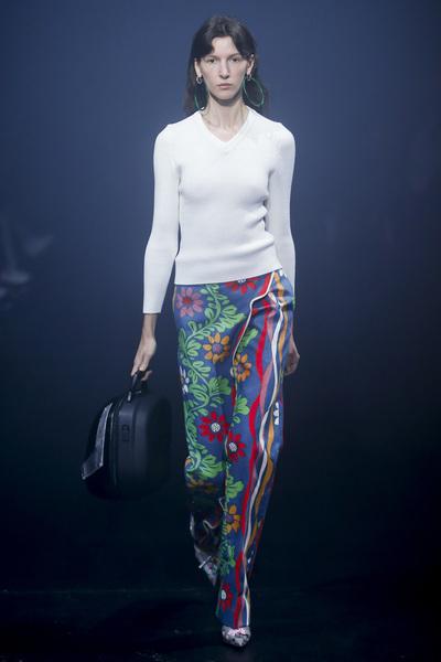 Balenciaga Spring 2018 Ready-to-Wear - Look #52