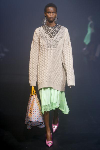 Balenciaga Spring 2018 Ready-to-Wear - Look #57