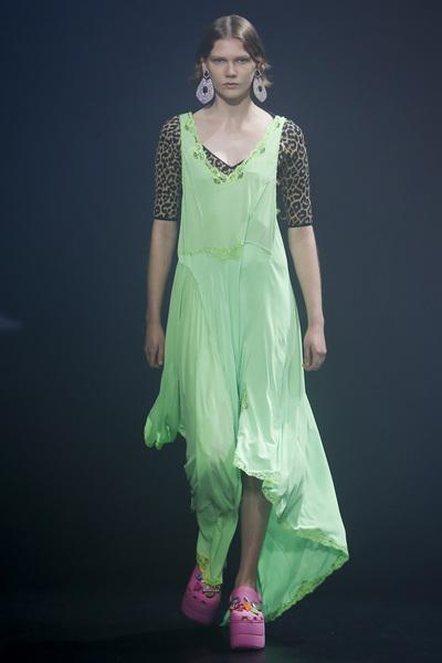 Balenciaga Spring 2018 Ready-to-Wear - Look #59