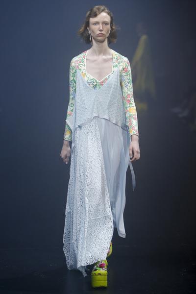 Balenciaga Spring 2018 Ready-to-Wear - Look #61