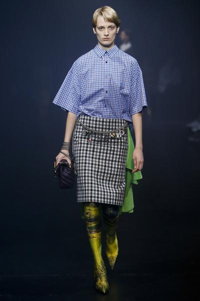 Balenciaga Spring 2018 Ready-to-Wear - Look #9