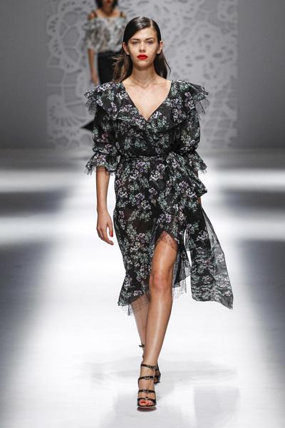 Blumarine Spring 2018 Ready-to-Wear - Look #14