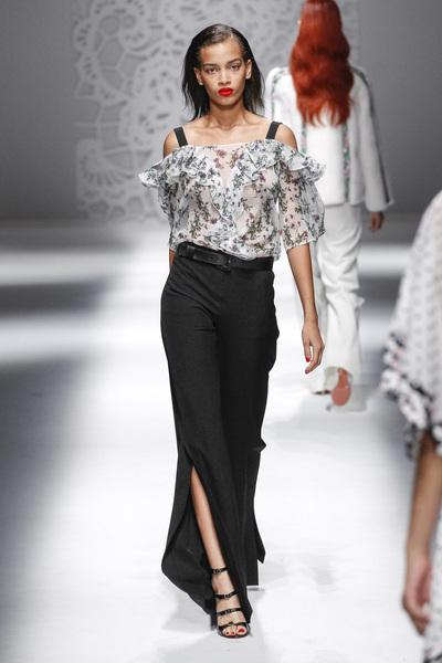 Blumarine Spring 2018 Ready-to-Wear - Look #15