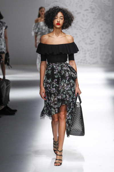 Blumarine Spring 2018 Ready-to-Wear - Look #21