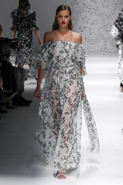 Blumarine Spring 2018 Ready-to-Wear - Look #22