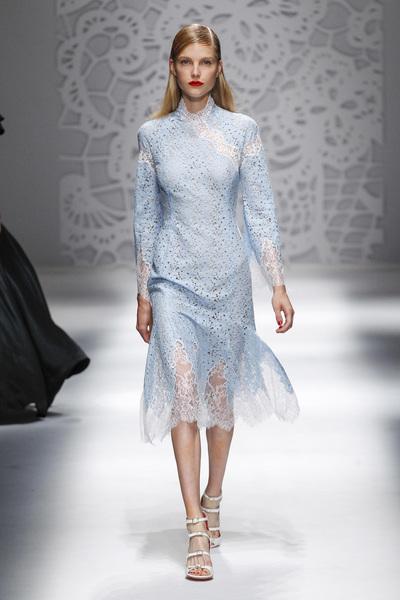 Blumarine Spring 2018 Ready-to-Wear - Look #33