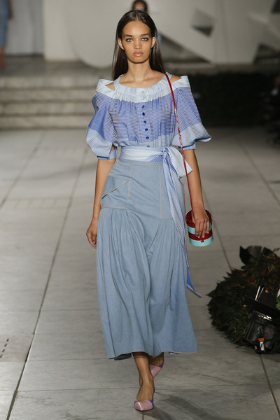 Carolina Herrera Spring 2018 Ready-to-Wear - Look #10