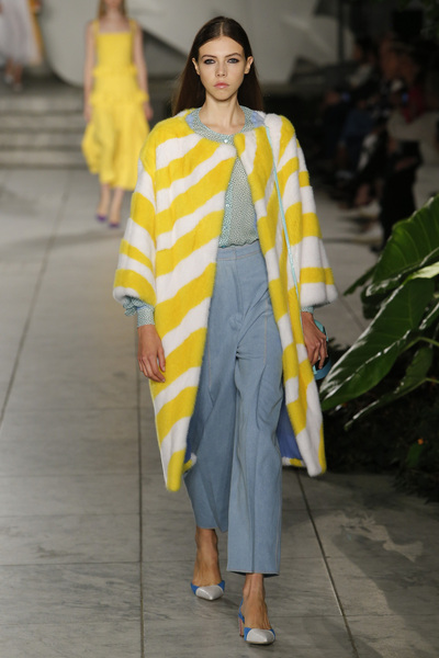 Carolina Herrera Spring 2018 Ready-to-Wear - Look #13