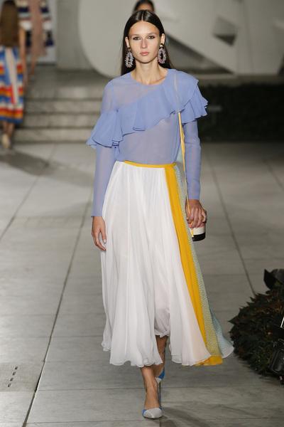 Carolina Herrera Spring 2018 Ready-to-Wear - Look #15