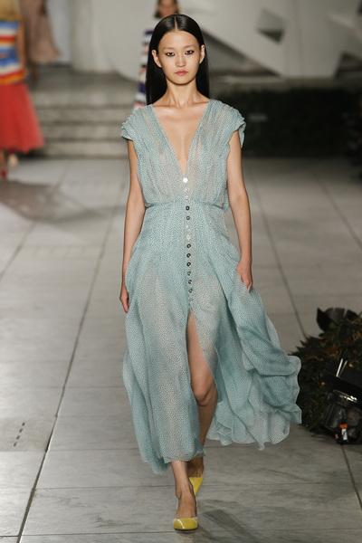 Carolina Herrera Spring 2018 Ready-to-Wear - Look #16