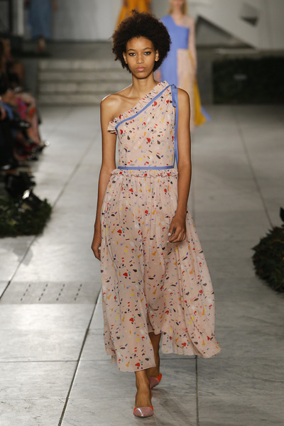 Carolina Herrera Spring 2018 Ready-to-Wear - Look #18