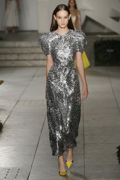 Carolina Herrera Spring 2018 Ready-to-Wear - Look #33