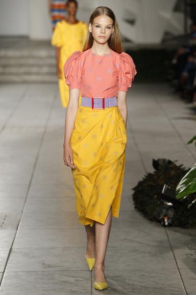 Carolina Herrera Spring 2018 Ready-to-Wear - Look #5
