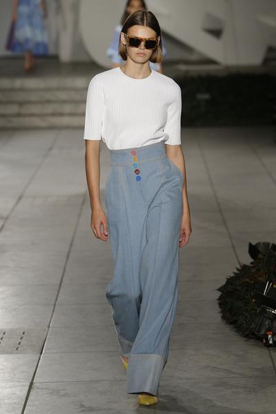 Carolina Herrera Spring 2018 Ready-to-Wear - Look #9