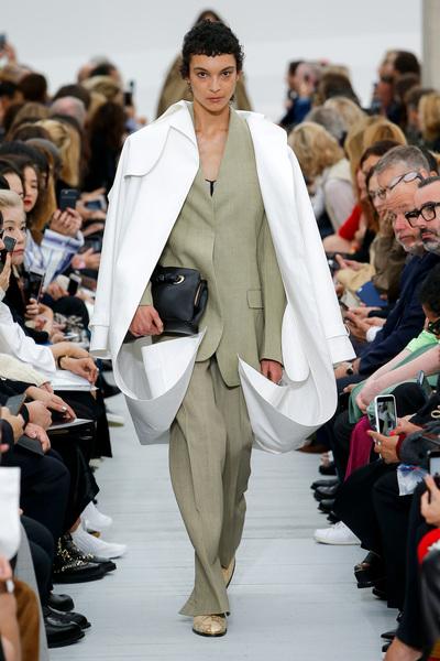 Celine Spring 2018 Ready-to-Wear - Look #1