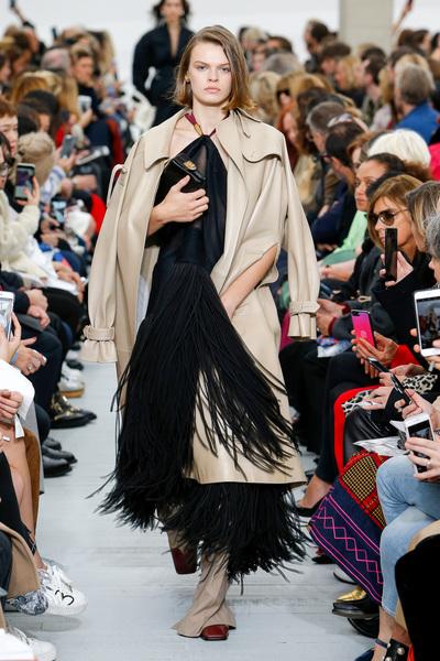 Celine Spring 2018 Ready-to-Wear - Look #16