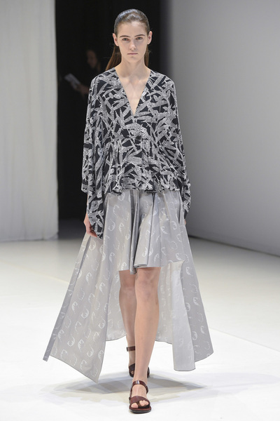 Chalayan Spring 2018 Ready-to-Wear - Look #19