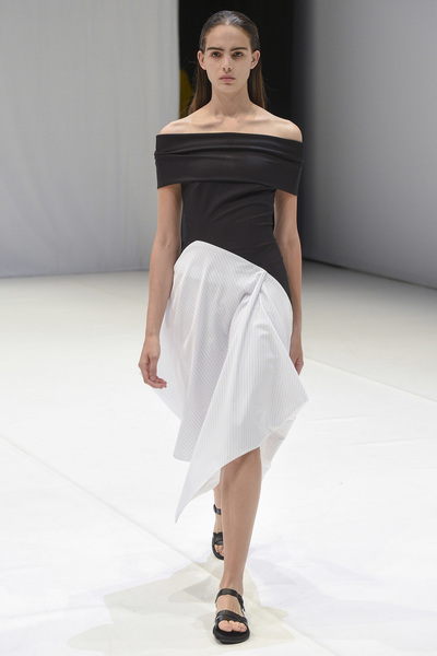 Chalayan Spring 2018 Ready-to-Wear - Look #26