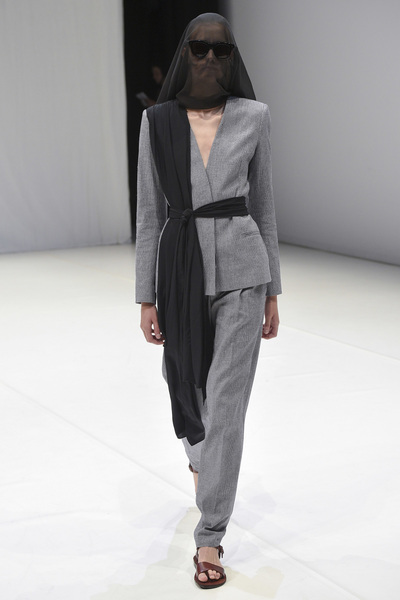 Chalayan Spring 2018 Ready-to-Wear - Look #9