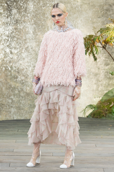 CHANEL Spring 2018 Ready-to-Wear - Look #29