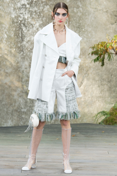CHANEL Spring 2018 Ready-to-Wear - Look #3