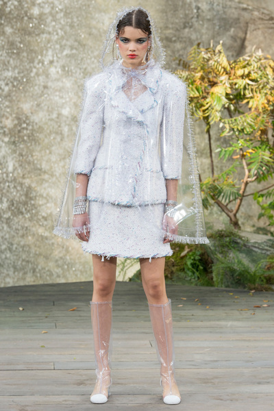 CHANEL Spring 2018 Ready-to-Wear - Look #36